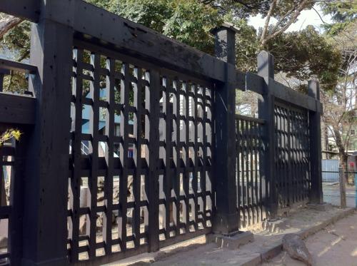 上野戦争の遺構「黒門」